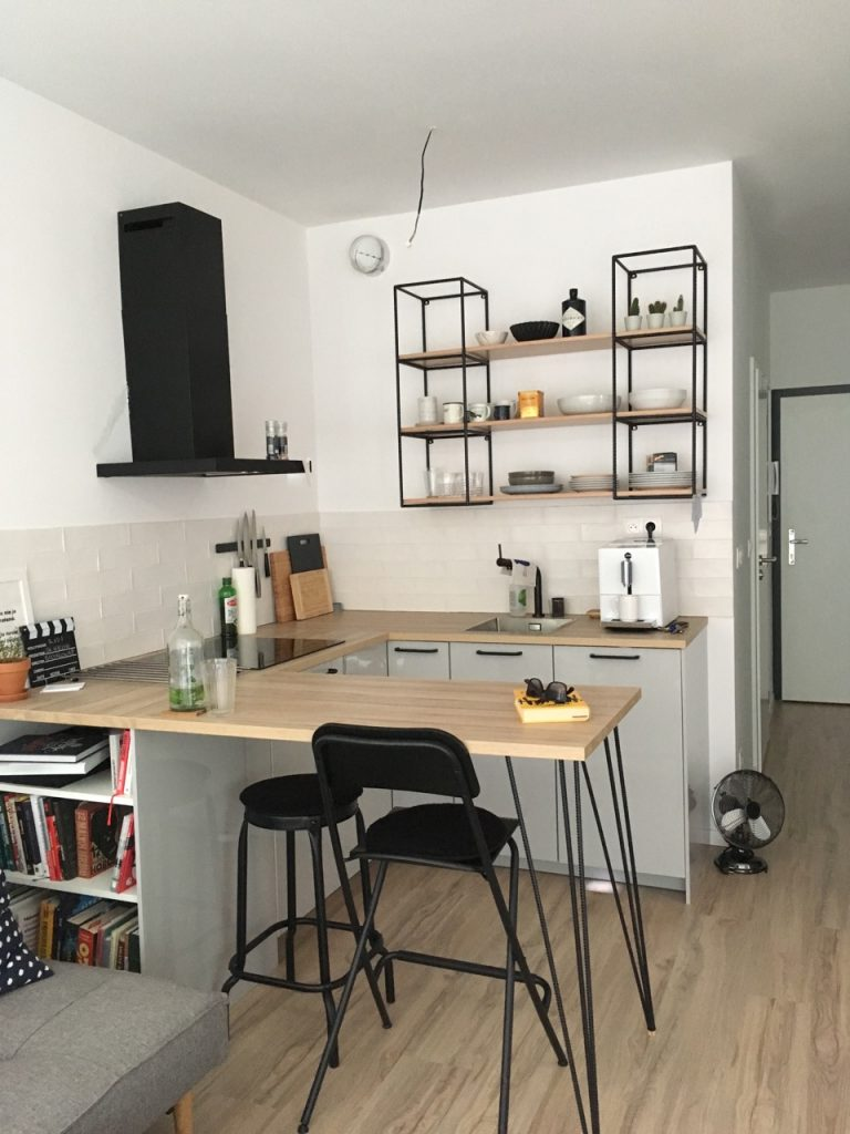 Časť kuchynskej zostavy, Bratislava (júl 2017)