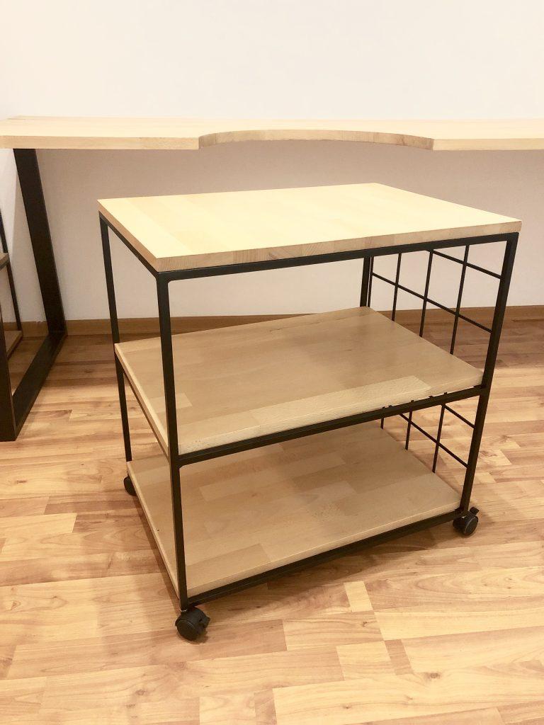 Šperkársky stôl so šuflíkom a regálom na mieru, september 2019